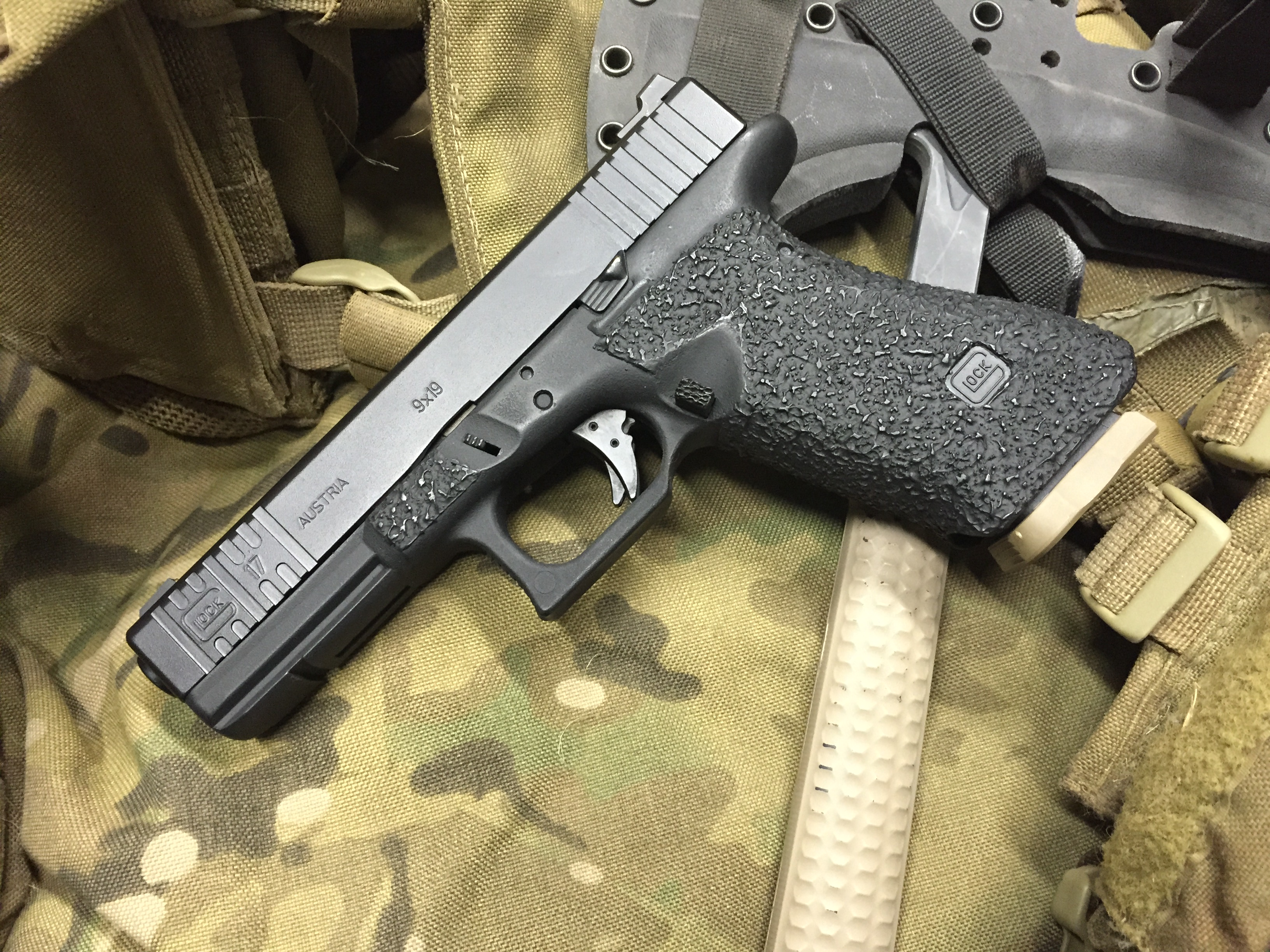 Robar to the Glock Rescue   Modern Service Weapons